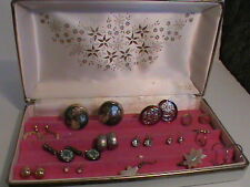 White Mele Earring case with 13 Pairs of Pierced Earrings