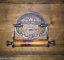 Cast Iron Toilet Roll Holder Antique Iron Design/Vintage/Rustic/Retro/Ornate GWR