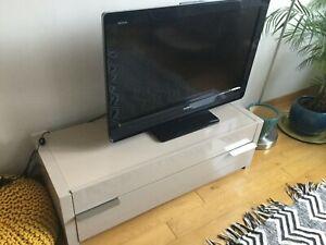 Meuble TV laqué couleur Moka