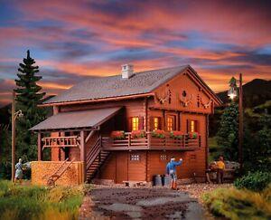 HO Scale Buildings - 38011 - Mountain house with house illumination - Kit