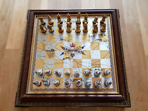 very RARE waterloo  chess set  franklin mint  gold and silver légèrement abimé
