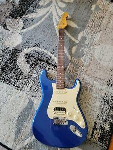 Fender American Ultra Stratocaster HSS w/HSC Cobra Blue, NEW