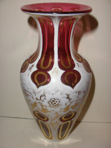 BEAUTIFUL ANTIQUE MOSER BOHEMIAN GLASS CUT TO CLEAR VASE WITH FLOWERS DECORATION