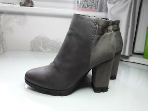 Two Tone Grey Ladies Boots Size 36 Excellent Condition