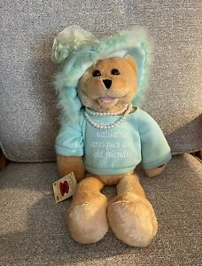 Chantilly Lane Musicals Teddy Bear Mom Pearls Sings That's What Friends Are For