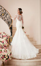 Organza Lace Boat Neck Long Sleeve Wedding Dresses