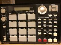 Akai <MPC 500> Model Professional Portable Music Production Sampler with manual