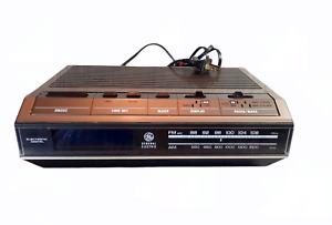 Vintage 1977-1983 G.E. General Electric Clock Radio Rare Blue LCD Digital Alarm