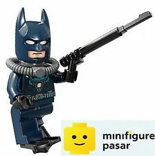 sh097 Lego DC Super Heroes 76010 - Batman Dark Blue Wetsuit Minifigure w Weapon
