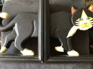 ~~BEAUTIFUL WOODEN CAT BOOKENDS~~