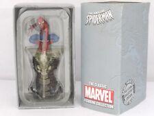 El Asombroso Hombre Araña Modelo Clásico Marvel estatuilla colección en la azotea en Caja