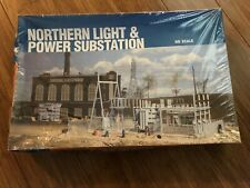 HO Scale Walthers Cornerstone Northern Light & Power and Transmission Towers