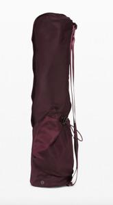 NEW lululemon The Yoga Mat Bag 16L Carrier Bag Cassis - NWT