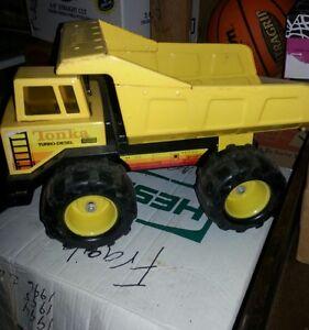 "TONKA TURBO DIESEL 16"" Dump Truck Yellow Pressed Steel Vintage ~ XMB 975"