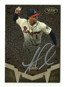OZZIE ALBIES MLB 2019 TOPPS TIER ONE BREAK OUT AUTOGRAPH SILVER INK #/10 (BRAVES