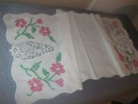 Table Runner Vintage White Cotton Cross Stitch & Lace Insert 126TR