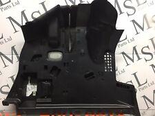 Mercedes Clase-E-Recorte en panel dash board derecho 2126801089