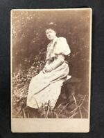 Victorian Photo: Cabinet Card: Unknown Pretty Lady Outside