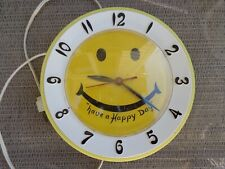 Vintage LUX Have A Happy Day Yellow Smiley Face Electric WALL CLOCK ROBERT SHAW