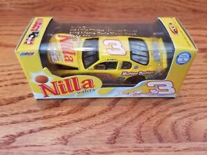 DALE EARNHARDT JR. #3 NILLA WAFERS NUTTER BUTTER 2002 MONTE RCCA ACTION 1/64