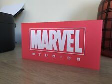 logo marvel studios à exposer collection display sign