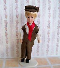 1:12- Puppenhaus Miniatur - Porzellan Biegepuppe -  Junge -12,5cm (02)