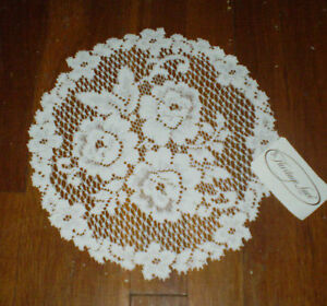 """Heritage Lace Victorian Rose 11"""" Doily"""
