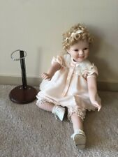 SHIRLEY TEMPLE DOLL SITTING POSITION,ORIGINAL PINK DRESS,HAIRSTYLE & SHOES VINT
