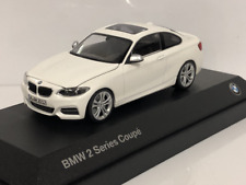 BMW 2 Series Coupe F22 Alpine White 1:43 Scale Paragon 2336869