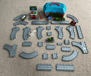 Take n Play Thomas Bundle/job Lot 28 Pieces Of Track 7 Trains & Sheds