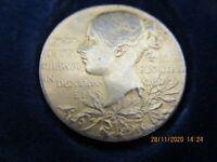 ANTIQUE QUEEN VICTORIA'S SILVER GILT ,DIAMOND JUBILEE MEDAL 1837-1897