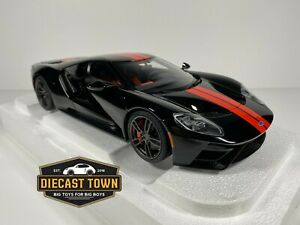 DAMAGED BOX AUTOart 72945 2017 Ford GT 1:18 Model Car Shadow Black w/Orange