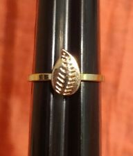 Ring 6.5 Jewelry Statement Costume Fashion Small Gold Tone Smooth Band Leaf