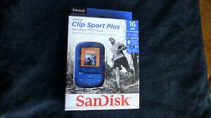 SanDisk Clip Sport Plus 16GB MP3 Player SDMX28-016G-A46B Bluetooth Wireless