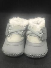 Xeyes Baby Boys Beige Gray Faux Fur Lined Soft Sole Crib Shoes 4 1/8 Inch Bottom