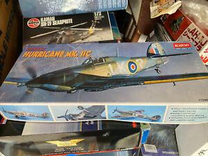 Academy Hawker Hurricane Mk.11C 2129 1/72
