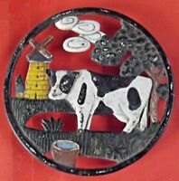 Ancien dessous de plat fonte Vache Ferme diamètre 17,5 cm Art de la table Moulin