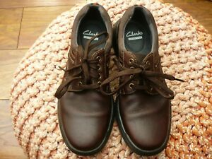 CLARKS LIGHTWEIGHT MENS BROWN OILED LEATHER SHOES SIZE 6.5 G IMMACULATE 210-22