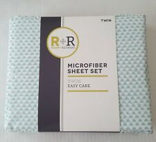 Room & Retreat Twin Microfiber Sheet Set Aqua White Triangle Pattern