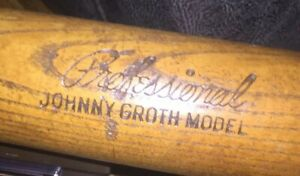 Vintage Baseball Bat Johnny Groth Detroit Tigers, stand and 2-1952 Cards
