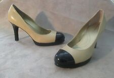 TAHARI CLASSIC BEIGE AND BLACK WOMENS LEATHER SHOES SIZE 10 B  w/ 4 INCH HEELS