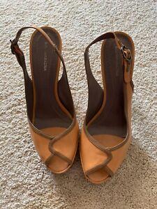BCBG MAXAZRIA Peep-Toe Slingbacks Platform Heels Leather Vintage Size 10B/40
