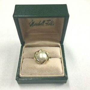 14K Yellow Gold and Mabe Pearl Ring Size 6
