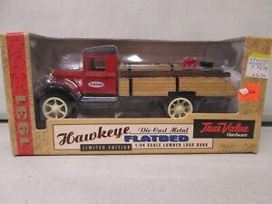 Ertl True Value 1931 Hawkeye Flatbed 1/34