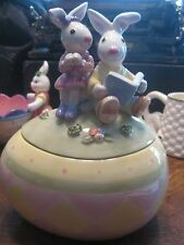 Fitz And Floyd Easter Eggspressions Ceramic Bunny Rabbit Covered Dish Egg Readin