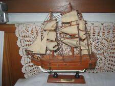 Maquette bateau voilier LAFAYETTE en bois 2 mâts  décoration marine bord de mer