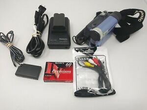 Hand held Panasonic PV-GS16 Mini DV Digital Palmcorder/Cam Camcorder Bundle