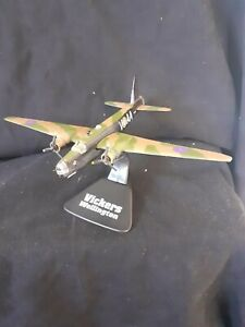 "COLLECTORS MODEL MILITARY GIANTS OF THE SKY AIRCRAFT  "" VICKERS WELLINGTON  """