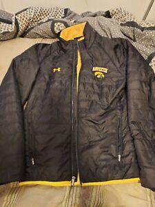 Under Armour Lightweight Iowa Hawkeyes Embroidered Jacket Size Medium Loose