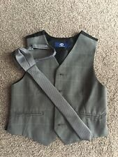 Boys 4 Years Waistcoat And Tie Ideal For Wedding,in Good Condition